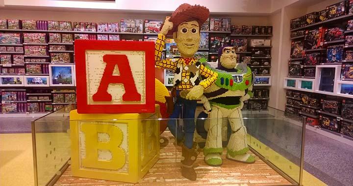 lego store disneyland paris